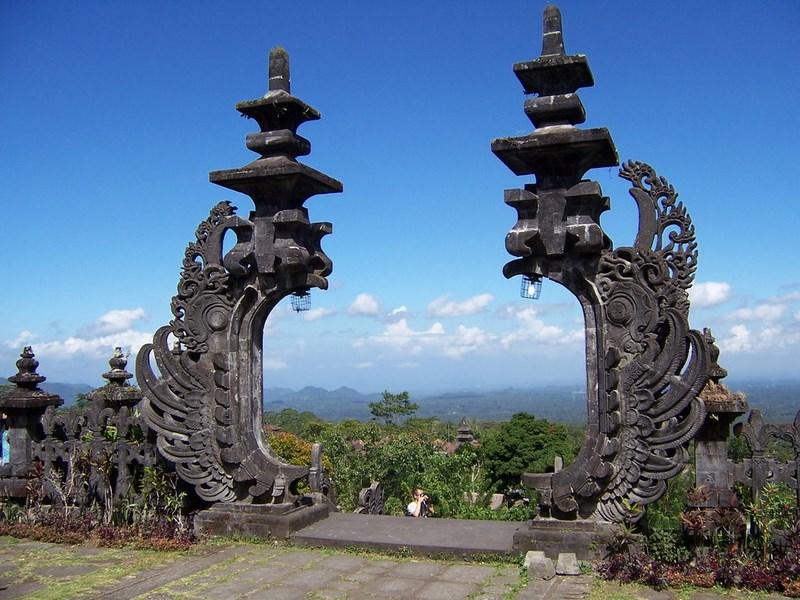 بالی جزیره ای در کشور اندونزی