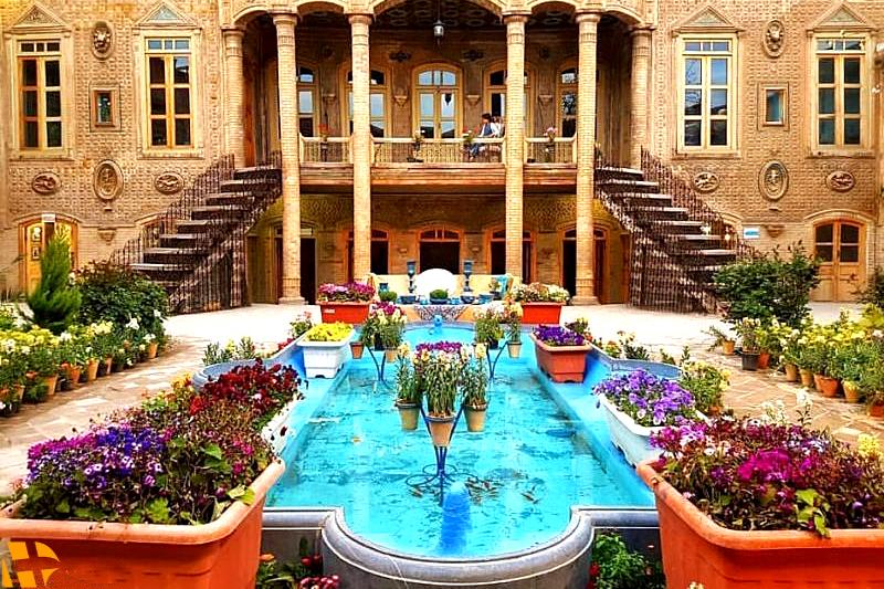 مشهد خانه ملک